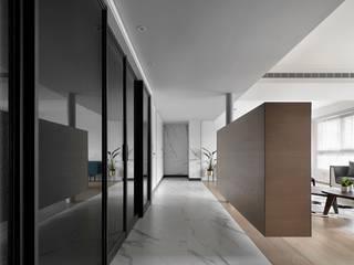 肯星室內設計 Mediterranean corridor, hallway & stairs