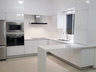 ALTO BRILLO ORIGINALE CUCINE E ARMADI Cocinas equipadas Compuestos de madera y plástico Blanco