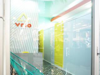 VRIO: DEPILACIÓN AVANZADA Clínicas y consultorios médicos de estilo tropical de Mona Mx Diseño Tropical