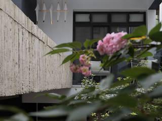 燭光  Candlelight:  陽台 by 肯星室內設計, 現代風