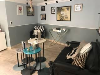 ESPACIO DE GALERÍA Y ESPERA Espacios comerciales de estilo clásico de Mulizh Decor Studio Clásico Compuestos de madera y plástico