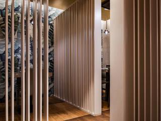 Quán bar & club theo GruppoTre Architetti, Châu Á