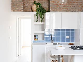 Bếp xây sẵn theo GruppoTre Architetti, Địa Trung Hải