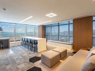 Modern study/office by Juliana Agner Arquitetura e Interiores Modern