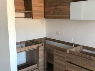 Modern style kitchen by spatium consilium Modern