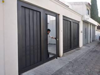 """Portón de acero con marco de montén 8"""" de Herrería Querétaro Industrial"""