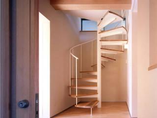 向島の家 の 光風舎1級建築士事務所 北欧 無垢材 多色