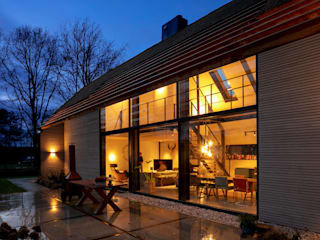 Industrial style houses by Hannie Verhoeven Lichtadvies Industrial