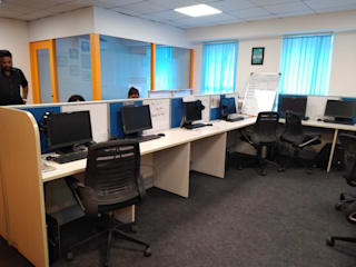 Green Trendy Office:   by Interioforest Plantscaping Solutions (OPC) Pvt. Ltd,