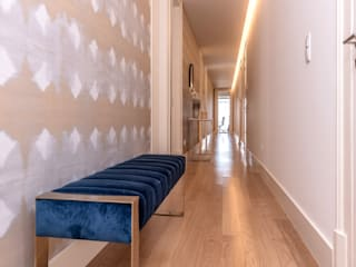 Modern Corridor, Hallway and Staircase by FEMMA Interior Design Modern
