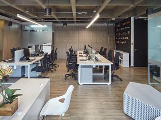 MBA Networks Estudios y despachos de estilo minimalista de Servex Colombia Minimalista