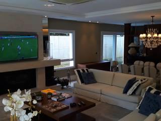 Living room by I9 Tecnologia -  Automação & Home Theater, Classic