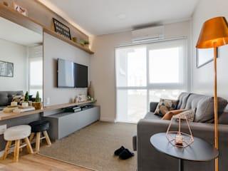 Apê do Junior e do Maicon Salas de estar modernas por iM2 arquitetura Moderno