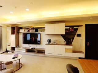 Living room by 藏私系統傢俱, Minimalist