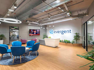 A Tour of Evergent's New Hyderabad Office Modern office buildings by Zyeta Modern