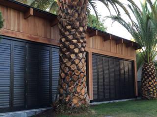 Quincho, Lo Barnechea, Santiago.: Terrazas  de estilo  por CONSTRUCTORA DHTC LIMITADA, Industrial