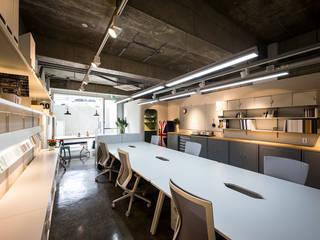 Kantor & Toko Modern Oleh 므나 디자인 스튜디오 Modern