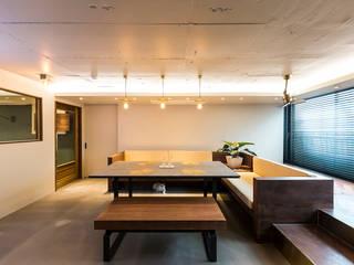 Ruang Keluarga Modern Oleh 므나 디자인 스튜디오 Modern