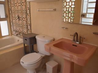 """B&B """"La Galería"""" Baños eclécticos de Escaleno Taller de Diseño Ecléctico"""