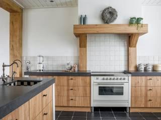 Mereno Manchester nostalgische keuken:   door Mereno, Rustiek & Brocante