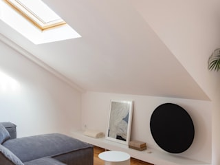 Travessa da Pereira Apartment Salas de estar minimalistas por Lola Cwikowski Studio Minimalista