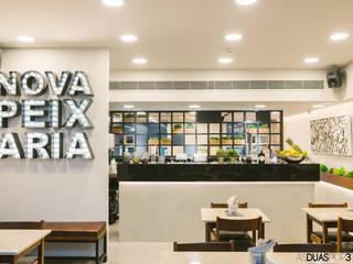 Restaurante Nova Peixaria_Parque das Nações . Lisboa: Espaços de restauração  por ÀS DUAS POR TRÊS,Moderno