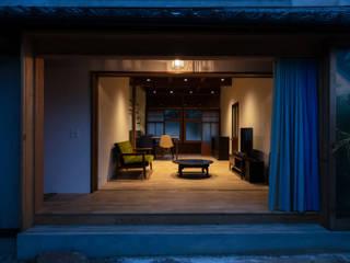 透き間の家 山本嘉寛建築設計事務所 YYAA モダンスタイルの 温室 木 ブラウン
