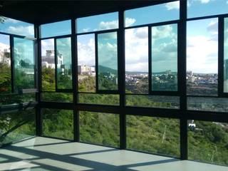 LOMAS DEL MARQUES Puertas y ventanas modernas de JAI DISEÑO Y CONSTRUCCIÓN EN ALUMINIO Y VIDRIO Moderno