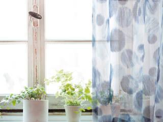 注入百年老店工藝的Zosen日本進口訂製窗簾|布簾.紗簾.遮光窗簾布: 斯堪的納維亞  by MSBT 幔室布緹, 北歐風 亞麻織品 Pink