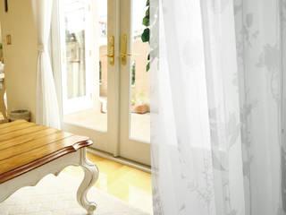 注入百年老店工藝的Zosen日本進口訂製窗簾|布簾.紗簾.遮光窗簾布: 亞洲  by MSBT 幔室布緹, 日式風、東方風 亞麻織品 Pink
