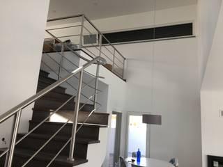Projeto obra Alenquer Janelas e portas modernas por Winglass Systems - Sistemas de Janelas Eficientes, Unip. Lda. Moderno