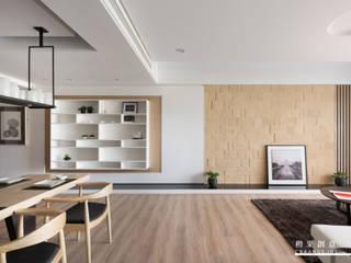 橙果創意國際設計 Skandynawski salon O efekcie drewna