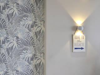 Corridor & hallway by Studio ARCH+D,