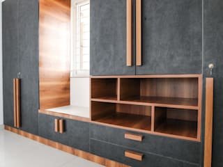 Wardrobe with Sit Out in the Master Bedroom: modern  by U and I Designs,Modern