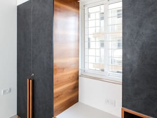 Wardrobe with Sit Out in the Master Bedroom Modern style bedroom by U and I Designs Modern