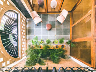 Kochar's House Tropical style corridor, hallway & stairs by Tropic responses Tropical