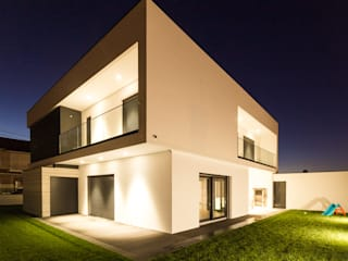 by HOUSE PHOTO Modern