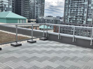 Silver Grey Wood-Plastic Composite Deck Tiles Installed on Toronto Terrace Modern terrace by Outdoor Floors Toronto Modern