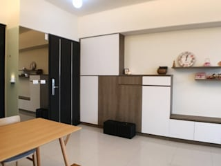 Minimalistische woonkamers van 台中室內設計裝修|心之所向設計美學工作室 Minimalistisch