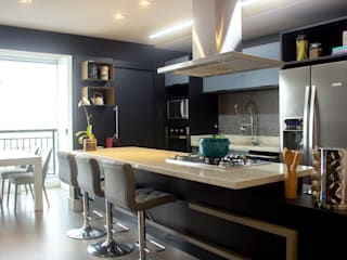 Small kitchens by Maestrelo Arquitetura e Interiores, Modern