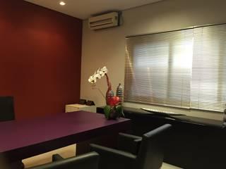 Oficinas de estilo  por Maestrelo Arquitetura e Interiores, Moderno