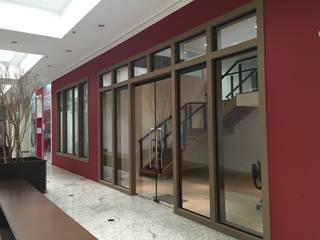 Estudios y despachos de estilo  de Maestrelo Arquitetura e Interiores, Moderno