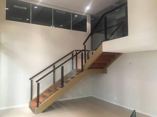 Bureau de style  par Maestrelo Arquitetura e Interiores, Moderne