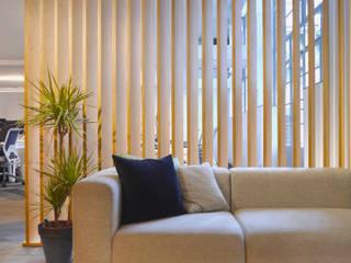 Tangerine Sandra Flashman Studio Corredores, halls e escadas modernos