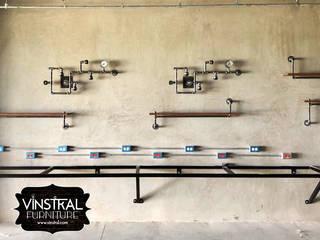 Decoración para Oficina Estilo Industrial Vinstral Furniture Oficinas y tiendas Metal Metálico/Plateado