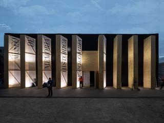 """Pabellón Museo de Memoria Histórica de Colombia FILBO 2018:  de estilo {:asian=>""""asiático"""", :classic=>""""clásico"""", :colonial=>""""colonial"""", :country=>""""rural"""", :eclectic=>""""ecléctico"""", :industrial=>""""industrial"""", :mediterranean=>""""Mediterráneo"""", :minimalist=>""""minimalista"""", :modern=>""""moderno"""", :rustic=>""""rústico"""", :scandinavian=>""""escandinavo"""", :tropical=>""""tropical""""} por Yemail_Arquitectura,"""