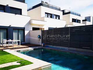 Vallado madera tecnológica exterior Balcones y terrazas de estilo moderno de Neoture Innovación Ecológica Moderno