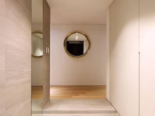 용인시 중앙하이츠빌아파트 인테리어 리모델링 모던스타일 벽지 & 바닥 by studio FOAM Architects 모던