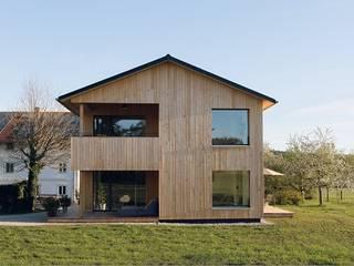 Passivhaus in Tabing, Chiemgau von Lebensraum Holz Modern