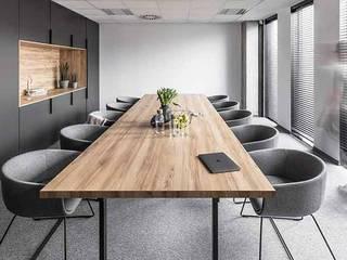 Edificio AG de PLASS Arquitectura & Construcción Moderno